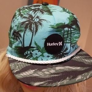 HURLEY HAWAIIAN Camo Snap Back SURF Flat Bill Hat